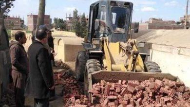 Photo of حملات مكثفة لإزالة التعديات بالبناء المخالف علي الأراضي الزراعية بالشرقية