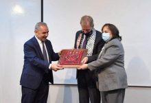 Photo of اشتية يُعلن انطلاق حملة لتطعيم المواطنين خلال الأسابيع المقبلة