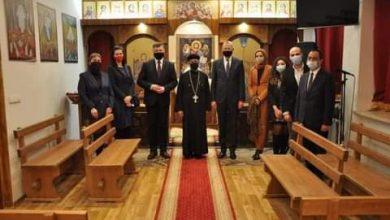 Photo of السفير المصري لدى بولندا يلتقي عمدة مدينة Brwinow بمقر الكنيسة القبطية الأرثوذكسية