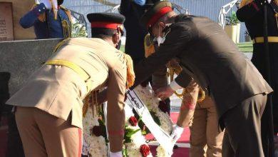 Photo of رئيس الأركان: ينوب عن الرئيس السيسي في وضع أكاليل الزهور على النصب التذكارى