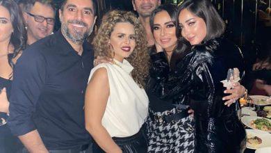 Photo of سارة الطباخ تغني مع تامر حسني وبسمة بوسيل