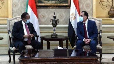 Photo of رئيس الوزراء يستقبل نظيره السوداني بمطار القاهرة