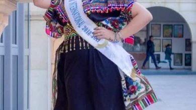 Photo of رباب بن محمد متحدثا اعلاميا باسم مسابقة Miss Folklore
