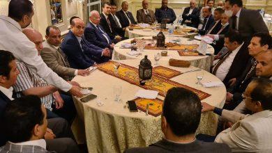 Photo of رئيس الغرفة التجارية بالجيزة يستضيف مجلس الأعمال اليمني علي مأدبة إفطار