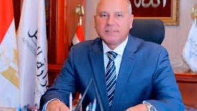 Photo of الوليلي يشيدبجهود وزير النقل بتحقيق التنميه الشامله والتطوير في الطرق في صعيد مصر.
