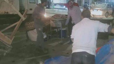 Photo of شريف هيكل يتابع حملة لرفع الاشغالات بشوارع سيدي سالم ليلا