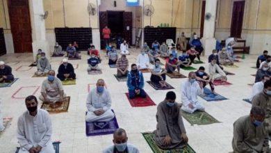 Photo of وزارة الأوقاف .. روَّاد المساجد يظهرون وعيًا غير مسبوق خلال صلاة التراويح