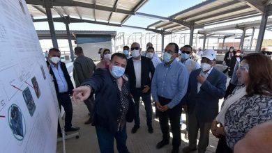 Photo of رئيس الوزراء يتفقد المشروعات الجاري تنفيذها بمحافظة دمياط ويستهلها بمشروع المجزر الآلي والمحجر البيطري بشطا