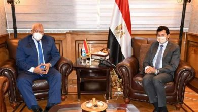 Photo of وزير الشباب والرياضة يجتمع بمحافظ الوادي الجديد