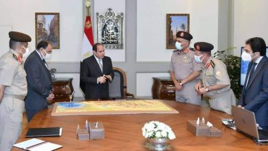 Photo of الرئيس يجتمع بمستشار الرئيس للتخطيط العمراني ورئيس الهيئة الهندسية