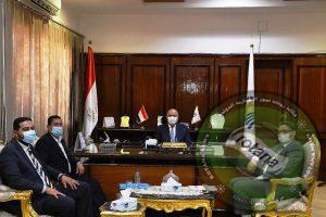 محافظ قنا يستقبل مدير عام القوى العاملة الجديد