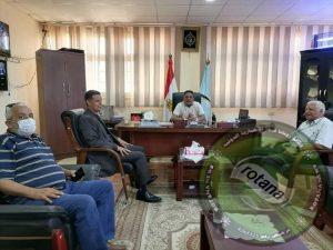 رئيس مدينة رأس غارب و السيد الدكتورمدير عام الطب البيطري بالبحر الأحمر يتفقدان المجزر الألي بالمدينة.