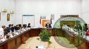 """وزير السياحة والآثار يجتمع مع لجنة """"خبراء الترويج السياحي"""""""
