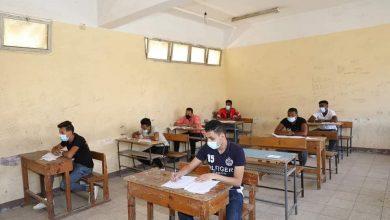 Photo of طلاب الدبلومات الفنية يؤدون الامتحان في ثاني أيام الدور الأول