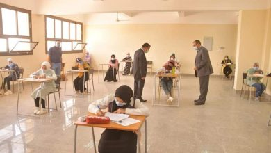 Photo of رئيس جامعة الوادى الجديد ونائبه يجريان جولة فى امتحانات الفصل الدراسى الثانى