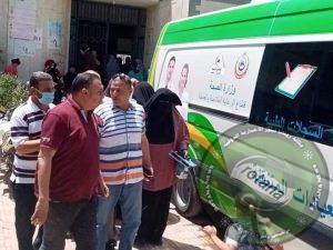 رئيس مركز ومدينة سيدي سالم  يتفقد القافلة الطبية بالوحدة الصحية بالصالحات