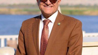 Photo of وكالة روتانا نيوز الدولية تهنئ رئيس جامعة عروس الصعيد السابق لحصول نجله على درجة الماجستير بكلية الحقوق