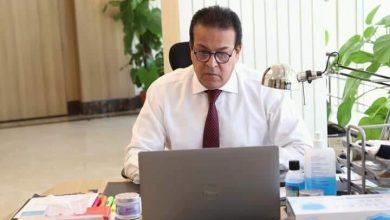 Photo of وزير التعليم العالي يتلقى تقريراً من القائم بأعمال مدير مدينة الأبحاث العلميه