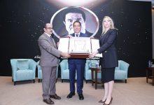 Photo of المؤتمر الدولي لقادة المجتمع يكرم فتحي عفانة ضمن أفضل القادة في المجتمع لعام 2021م
