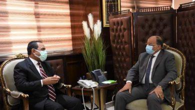 Photo of وزير التنمية المحلية يبحث مع رئيس التنظيم والادارة ملفات الانتقال للعاصمة الإدارية الجديدة